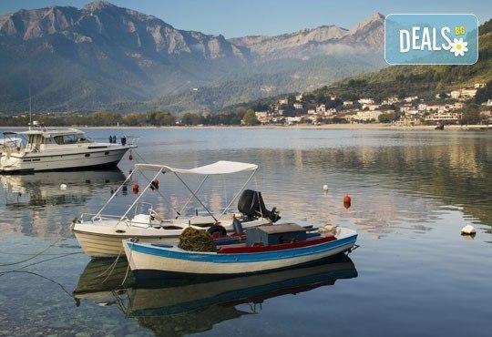 Почивка от април до юни на о. Тасос в Гърция! 5 нощувки със закуски и вечери в Kapahi Beach 3*, безплатно за дете до 2 г. - Снимка 3