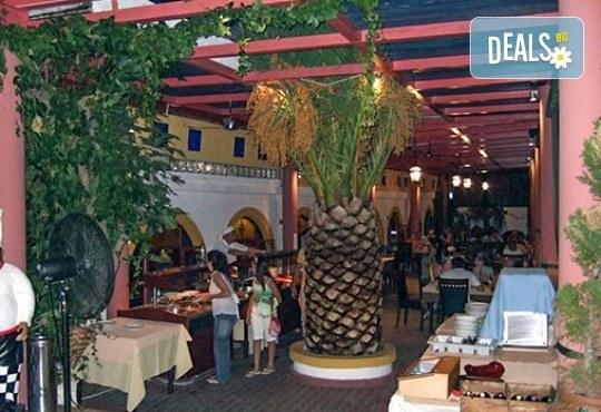 Великден в Гърция, Халкидики! 3 нощувки със закуски и вечери в Philoxenia Spa Hotel, транспорт и обиколка на Солун! - Снимка 7