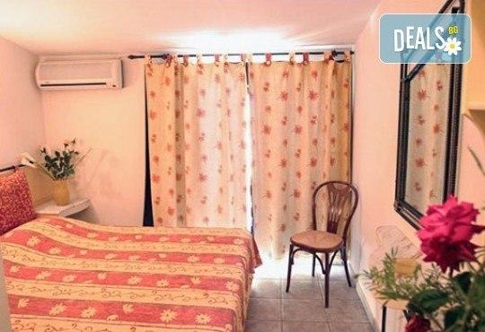 Великден в Гърция, Халкидики! 3 нощувки със закуски и вечери в Philoxenia Spa Hotel, транспорт и обиколка на Солун! - Снимка 3