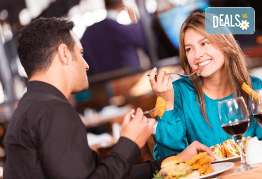 14-ти февруари в Италиански ресторант Balito! Романтично предложение за всички влюбени, ценители на виното и добрия вкус! - Снимка 1