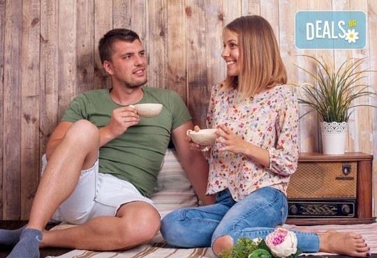 Подарете си романтична фотосесия за двойки в месеца на любовта с 12 обработени кадъра, Приказните снимки! - Снимка 8
