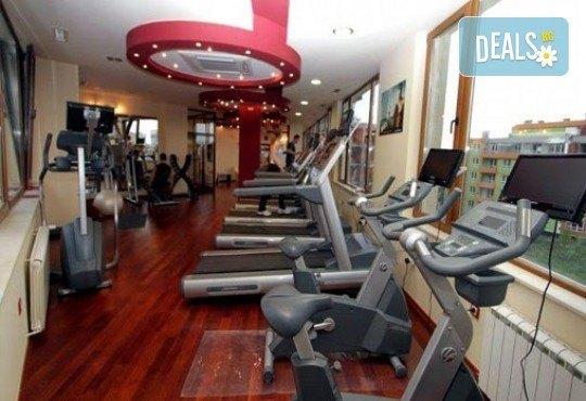 Спортен, болкоуспокоявaщ или клaсически масаж на цяло тяло и мaсaж нa скaлп, ходилa и длaни в Sport City Vitosha! - Снимка 4