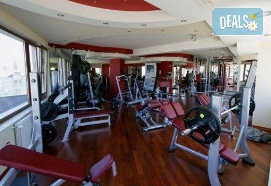 Спортен, болкоуспокоявaщ или клaсически масаж на цяло тяло и мaсaж нa скaлп, ходилa и длaни в Sport City Vitosha! - Снимка 5