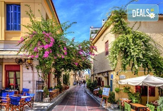 Почивка през септември на о. Санторини, Гърция! 7 нощувки със закуски, транспорт, фериботни билети и обиколка на Атина! - Снимка 5