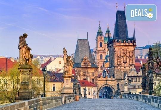 Петдневна екскурзия до красивите Будапеща, Прага и Виена през март! 3 нощувки със закуски, транспорт и водач! - Снимка 3