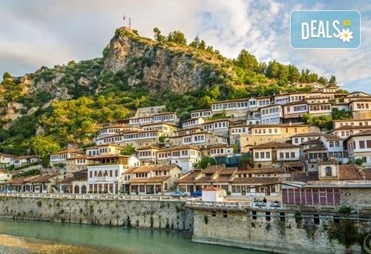 През април или май на екскурзия до Албания и Македония! 3 нощувки със закуски, транспорт, разходка из Скопие и Струга! - Снимка 1