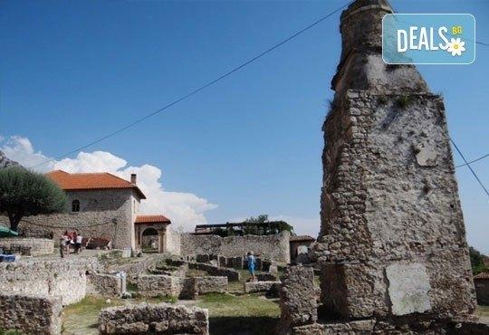 През април или май на екскурзия до Албания и Македония! 3 нощувки със закуски, транспорт, разходка из Скопие и Струга! - Снимка 10