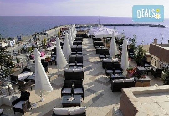 Открийте летния сезон с почивка в хотел Imperial 3*, Неа Скиони, Гърция! 5 нощувки със закуски и вечери, безплатно за дете до 12г. - Снимка 8