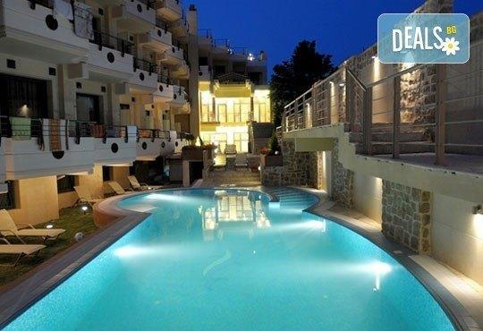 Открийте летния сезон с почивка в хотел Imperial 3*, Неа Скиони, Гърция! 5 нощувки със закуски и вечери, безплатно за дете до 12г. - Снимка 13
