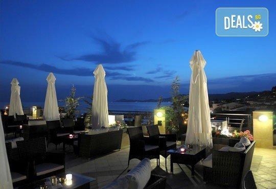 Открийте летния сезон с почивка в хотел Imperial 3*, Неа Скиони, Гърция! 5 нощувки със закуски и вечери, безплатно за дете до 12г. - Снимка 6