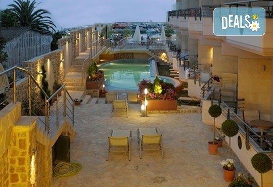 Открийте летния сезон с почивка в хотел Imperial 3*, Неа Скиони, Гърция! 5 нощувки със закуски и вечери, безплатно за дете до 12г. - Снимка 7