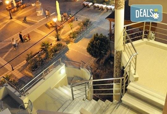 Открийте летния сезон с почивка в хотел Imperial 3*, Неа Скиони, Гърция! 5 нощувки със закуски и вечери, безплатно за дете до 12г. - Снимка 10