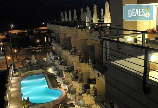 Открийте летния сезон с почивка в хотел Imperial 3*, Неа Скиони, Гърция! 5 нощувки със закуски и вечери, безплатно за дете до 12г. - Снимка 11