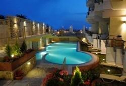 Открийте летния сезон с почивка в хотел Imperial 3*, Неа Скиони, Гърция! 5 нощувки със закуски и вечери, безплатно за дете до 12г. - Снимка