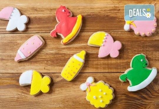 Малки изненади за големи усмивки! Един килограм бутикови бисквити за кръщене или за изписване от родилния дом от Muffin House! - Снимка 1