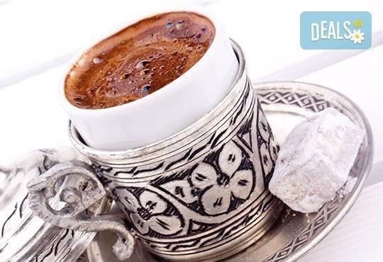 Великден в Истанбул, Турция! 2 нощувки със закуски в хотел 3*, транспорт, посещение на МОЛ Оливиум и Одрин! - Снимка 3