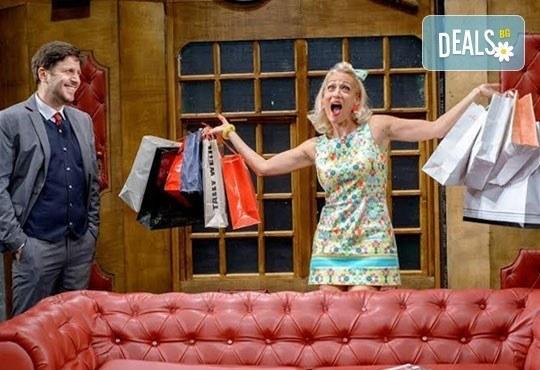 Гледайте най-новия спектакъл на Театрална къща Viva Arte - Опасно за живота, на 23.02. от 19ч, Открита сцена Сълза и смях - Снимка 5