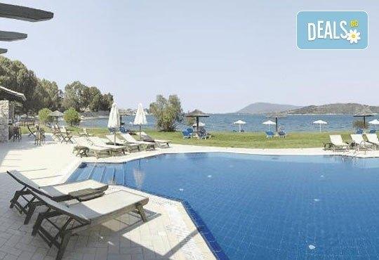 За Великден почивка на остров Лефкада, Гърция: 3 нощувки със закуски в Porto Ligia 3*, транспорт и екскурзовод от Дрийм Тур! - Снимка 4