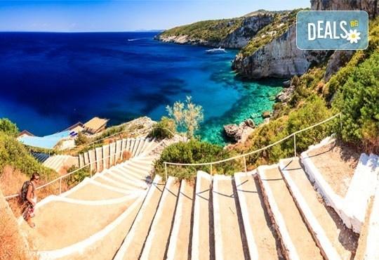 През юни на о. Закинтос - перлата на Йонийско море! 3 нощувки със закуски, транспорт, фериботни билети и програма! - Снимка 5