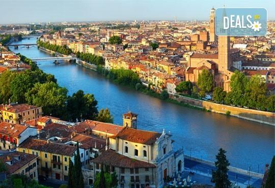 Майски празници в романтична Италия! 2 нощувки със закуски, транспорт и възможност за посещение на Венеция, Верона и Падуа! - Снимка 8