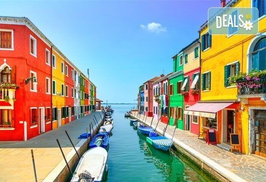 Майски празници в романтична Италия! 2 нощувки със закуски, транспорт и възможност за посещение на Венеция, Верона и Падуа! - Снимка 1