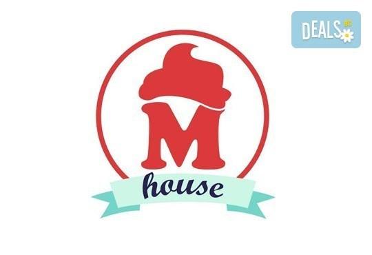 За всички празници! Ръчно декорирани бисквити: сърца или романтични рози от майстор - сладкарите на Muffin House! - Снимка 2