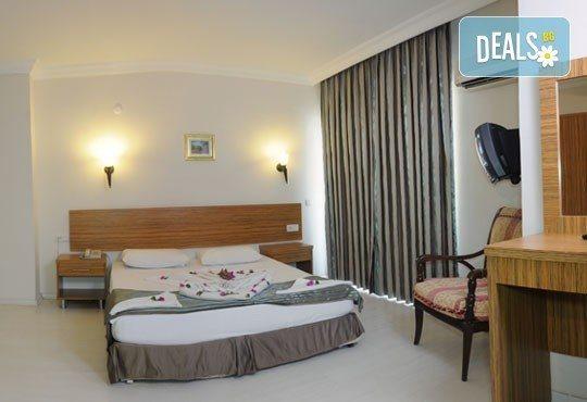 Майски празници в Мармарис! 5 нощувки на база All Inclusive в Cle Seaside Hotel 3* с възможност за транспорт! - Снимка 4
