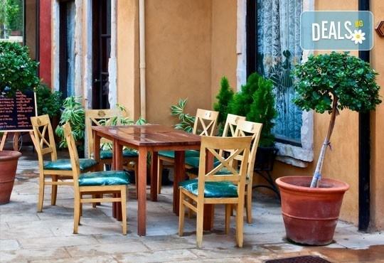 Екскурзия през май или септември до Неапол, Помпей и Везувий! 4 нощувки със закуски и вечери в хотел 2/3* и транспорт! - Снимка 6