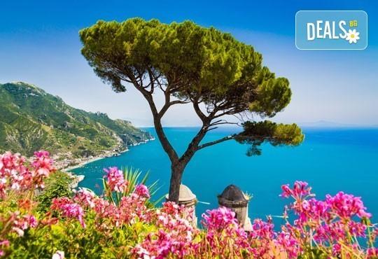 Екскурзия през май или септември до Неапол, Помпей и Везувий! 4 нощувки със закуски и вечери в хотел 2/3* и транспорт! - Снимка 1