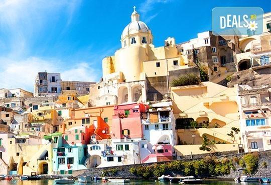 Екскурзия през май или септември до Неапол, Помпей и Везувий! 4 нощувки със закуски и вечери в хотел 2/3* и транспорт! - Снимка 4