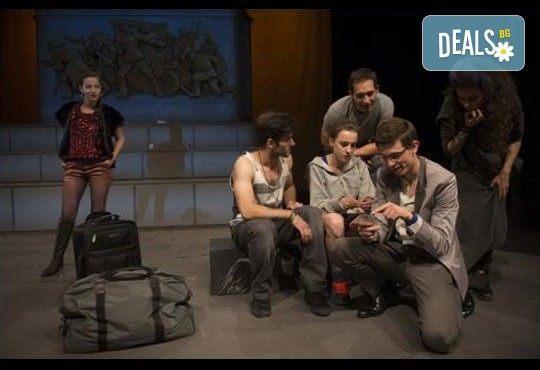 Гледайте спектакъла на Кирил Буховски ''Ние сме вечни!'' в Театър София на 10.03. от 19 ч. с билет за един! - Снимка 5