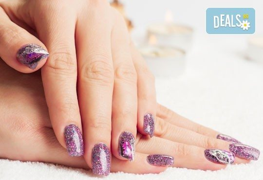 Преобразете ноктите си с интересен маникюр! Поставяне на гел върху естествен нокът и две декорации, Салон Руж! - Снимка 2