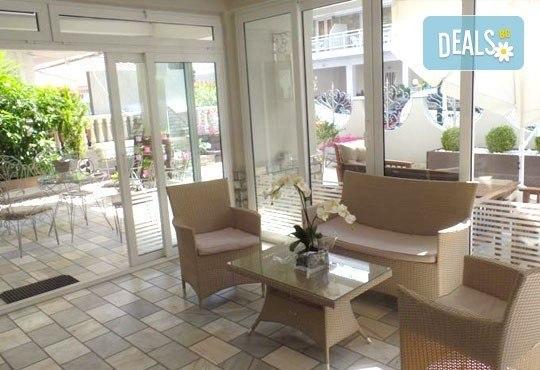 Почивка за Майските празници на Олимпийската ривиера, Гърция! 2/3 нощувки със закуски и вечери за двама или трима в Ouzas Hotel! - Снимка 6