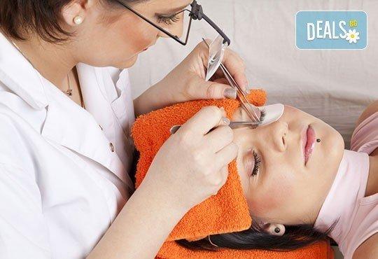 За изящен поглед! Поставяне на естествени мигли от норка косъм по косъм или мигли на снопчета, салон Бели Дунав! - Снимка 1