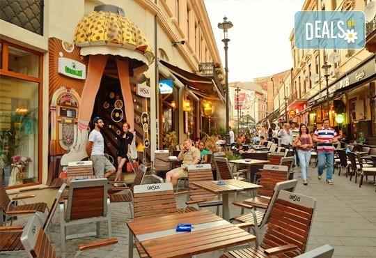 Уикенд в Букурещ, Румъния! 1 нощувка със закуска, панорамна обиколка, водач и транспорт от Молина Травел! - Снимка 3
