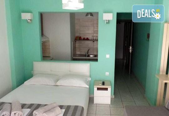 Почивка на Олимпийската ривиера, Гърция през май! 1 нощувка без изхранване, със закуска или със закуска и вечеря за двама/трима в Ouzas Hotel! - Снимка 3