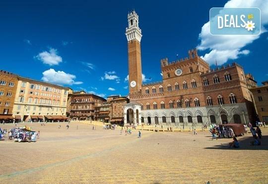 Екскурзия до очарователната Тоскана през март! 5 нощувки, 5 закуски, 3 вечери, самолетен билет и автобусен транспорт! - Снимка 9