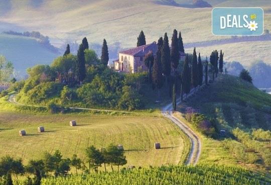 Екскурзия до очарователната Тоскана през март! 5 нощувки, 5 закуски, 3 вечери, самолетен билет и автобусен транспорт! - Снимка 2