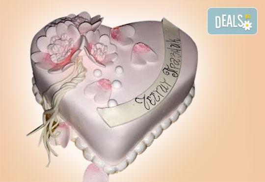 Романтика за двама! Подарете Торта Сърце по дизайн на Сладкарница Джорджо Джани - Снимка 9