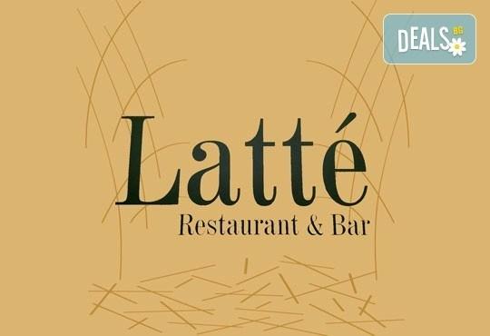 Вкусна класика! Порция свински вратни карета и традиционна салата в новооткрития ресторант Latte, Варна! - Снимка 3