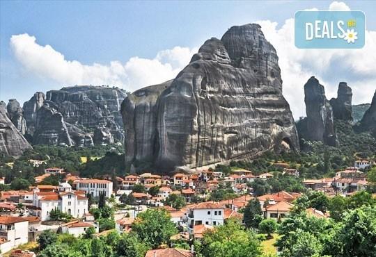 Великден в Гърция, Паралия-Катерини, с Караджъ Турс! 2 нощувки със закуски хотел 2/3*, транспорт, посещение на Солун! - Снимка 5
