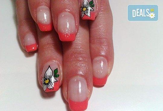 Нежни ръце и красиви нокти! Френски или класически маникюр или педикюр с гел лак Astonishing nails от дерматокозметични центрове Енигма! - Снимка 13