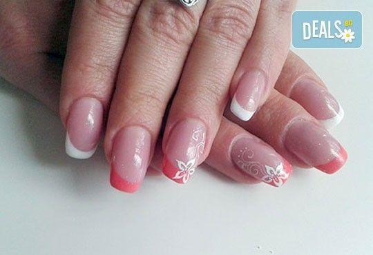 Нежни ръце и красиви нокти! Френски или класически маникюр или педикюр с гел лак Astonishing nails от дерматокозметични центрове Енигма! - Снимка 14