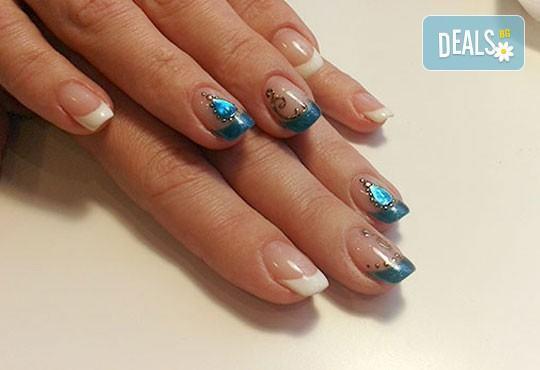 Нежни ръце и красиви нокти! Френски или класически маникюр или педикюр с гел лак Astonishing nails от дерматокозметични центрове Енигма! - Снимка 15