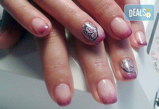 Нежни ръце и красиви нокти! Френски или класически маникюр или педикюр с гел лак Astonishing nails от дерматокозметични центрове Енигма! - Снимка 16