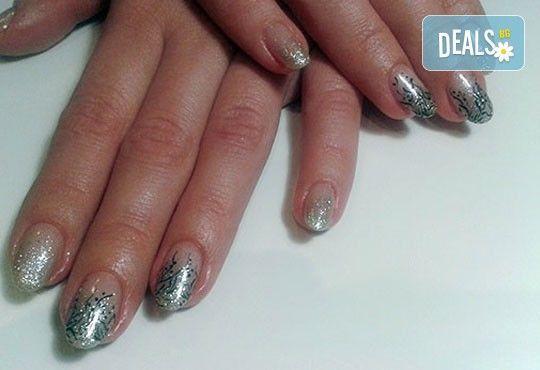 Нежни ръце и красиви нокти! Френски или класически маникюр или педикюр с гел лак Astonishing nails от дерматокозметични центрове Енигма! - Снимка 18