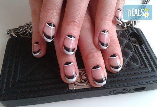 Нежни ръце и красиви нокти! Френски или класически маникюр или педикюр с гел лак Astonishing nails от дерматокозметични центрове Енигма! - Снимка 20