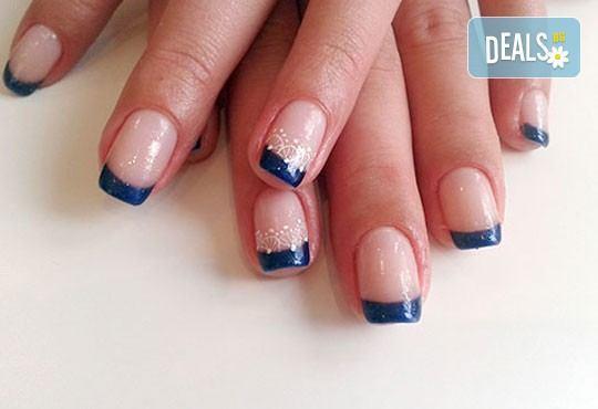 Нежни ръце и красиви нокти! Френски или класически маникюр или педикюр с гел лак Astonishing nails от дерматокозметични центрове Енигма! - Снимка 11