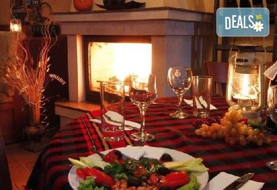 Почивка през март или април във Флоримонт Каса 3*, Банско - 1 нощувка със закуска и вечеря, ползване на СПА! - Снимка 3