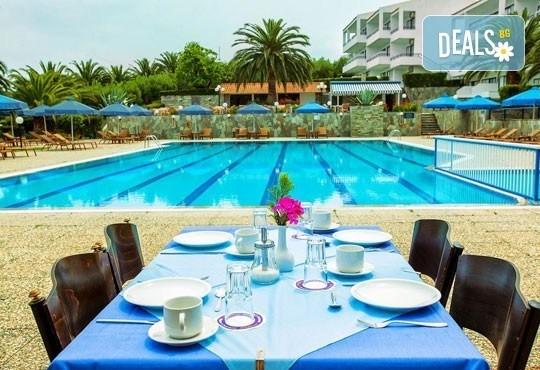 Почивка в Гърция, Халкидики - Касандра през март, април или май! 3 нощувки със закуски, обяди и вечери в Xenios Port Marina 3*! - Снимка 6